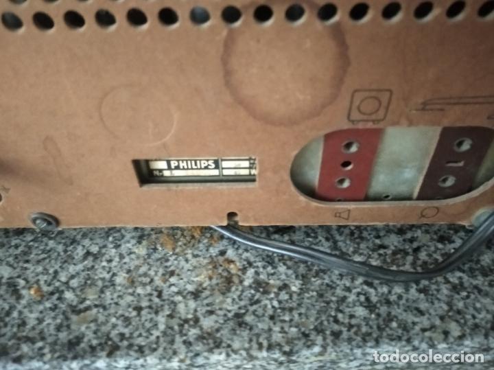 Radios de válvulas: RADIO PHILIPS DE BAQUELITA EN PLENO FUNCIONAMIENTO - Foto 3 - 197118553