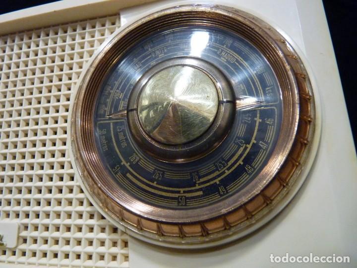 Radios de válvulas: ANTIGUA RADIO MARCONI MOD. UM 137 DE 4 VÁLVULAS. 21,5x14x12 cm. AÑO 1952. FUNCIONANDO. ESCASA - Foto 5 - 197161791
