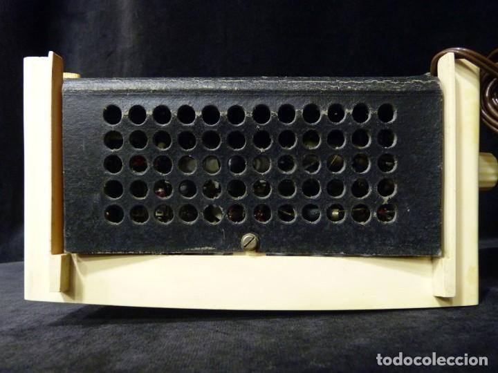 Radios de válvulas: ANTIGUA RADIO MARCONI MOD. UM 137 DE 4 VÁLVULAS. 21,5x14x12 cm. AÑO 1952. FUNCIONANDO. ESCASA - Foto 21 - 197161791