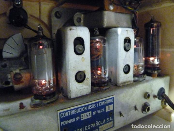Radios de válvulas: ANTIGUA RADIO MARCONI MOD. UM 137 DE 4 VÁLVULAS. 21,5x14x12 cm. AÑO 1952. FUNCIONANDO. ESCASA - Foto 23 - 197161791