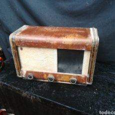Rádios de válvulas: ANTIGUA RADIO DE VÁLVULAS PHILIPS. Lote 197670198