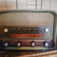 Rádios de válvulas: BONITA RADIO DE VÁLVULAS. Lote 197754251