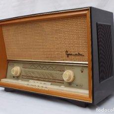 Radios de válvulas: ANTIGUA RADIO DE VÁLVULAS BLAUPUNKT, MAGINIFICO ESTADO, FUNCIONANDO CON MUY BUEN SONIDO (VER VÍDEO). Lote 197854578