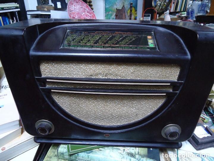 PRECIOSA RADIO MULLARD CARCASA DE VAKELITA AÑO 1937 FUNCIONANDO FUNCIONA PERFECTAMENTE TIENE TODO OR (Radios, Gramófonos, Grabadoras y Otros - Radios de Válvulas)