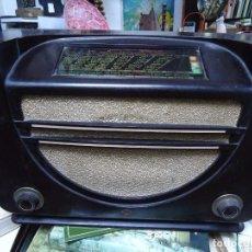 Radios de válvulas: PRECIOSA RADIO MULLARD CARCASA DE VAKELITA AÑO 1937 FUNCIONANDO FUNCIONA PERFECTAMENTE TIENE TODO OR. Lote 198228575