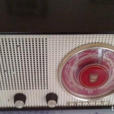 Radios de válvulas: BONITA RADIO PHILIPS FRANCÉS MODELOS B2F 70 U ¡¡POR FAVOR LEAN TODO!!!. Lote 198472436