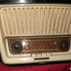 Radios de válvulas: ANTIGUO RADIO MADERA TELEFUNKE. Lote 200080055