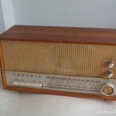 Radios de válvulas: ANTIGUA RADIO DE VÁLVULAS GRUNDIG, 3010 H, FUNCIONANDO, 3010H. Lote 200528361