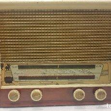 Radios de válvulas: RADIO MAGESTIC MODELO TITANIC. Lote 201716785
