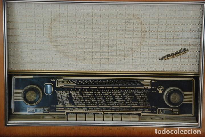 Radios de válvulas: Radio Valvulas Blaupunkt Granada De Luxe Type 2330 .Año 1957 - FUNCIONA - Foto 2 - 201801063