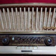 Radios de válvulas: RADIO DE VALVULAS TELEFUNKEN MODELO CONCERTINA CON FM AÑO 1957. Lote 202029507