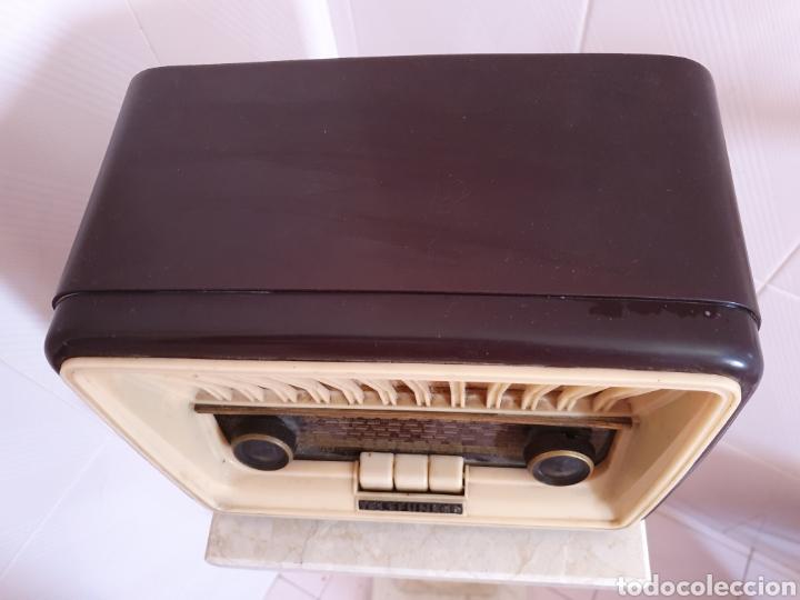Radios de válvulas: ANTIGUA RADIO DE BAQUELITA MODELO CAPRICHO U-1815 MARCA TELEFUNKEN POR FAVOR LEER DESCRIPCIÓN - Foto 2 - 202652570