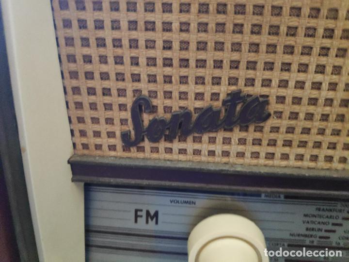 RADIO TELEFUNKEN SONATA U-2316-FM - FUNCIONA - - VEA EL VÍDEO - MUCHAS FOTOS (Radios, Gramófonos, Grabadoras y Otros - Radios de Válvulas)