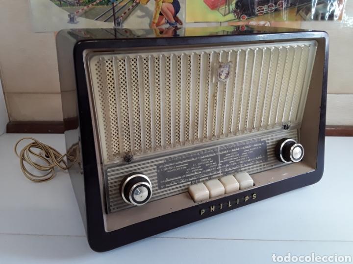 RADIO ANTIGUA PHILIPS 34 X 22,5 CM FUNCIONANDO 125 W (Radios, Gramófonos, Grabadoras y Otros - Radios de Válvulas)