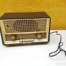 Radios à lampes: PHILIPS PHILETTA DE LUXE DE 1960.. Lote 204305531