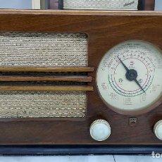 Radios de válvulas: ANTIGUA RADIO PHILIPS. MODELO BE-382-A. ORIGINAL DE ÉPOCA.. Lote 204993043