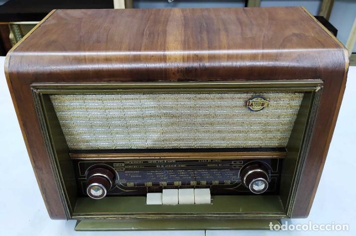 Radios de válvulas: ANTIGUA RADIO HANSUR. FUNCIONANDO. 125 V. ORIGINAL DE ÉPOCA. BUEN ESTADO. - Foto 2 - 205118657