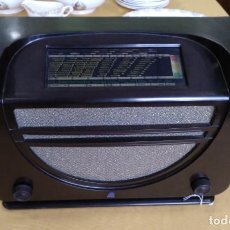 Radios de válvulas: ANTIGUA RADIO EN BAQUELITA DE LA MARCA RADIOLA FUNCIONANDO.. Lote 205813631