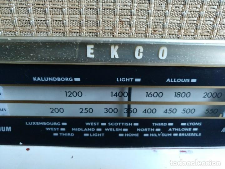 Radios de válvulas: ANTIGUA RADIO EN BAQUELITA DE LA MARCA EKCO FUNCIONANDO PERFECTAMENTE. - Foto 3 - 205827957