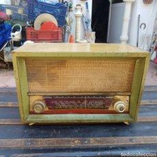 Radios de válvulas: ANTIGUA RADIO PARA RESTAURAR O PIEZAS. Lote 206199712