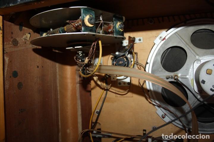 Radios de válvulas: PHILIPS TYP BX 632A19 FUNCIONA - Foto 5 - 206358965