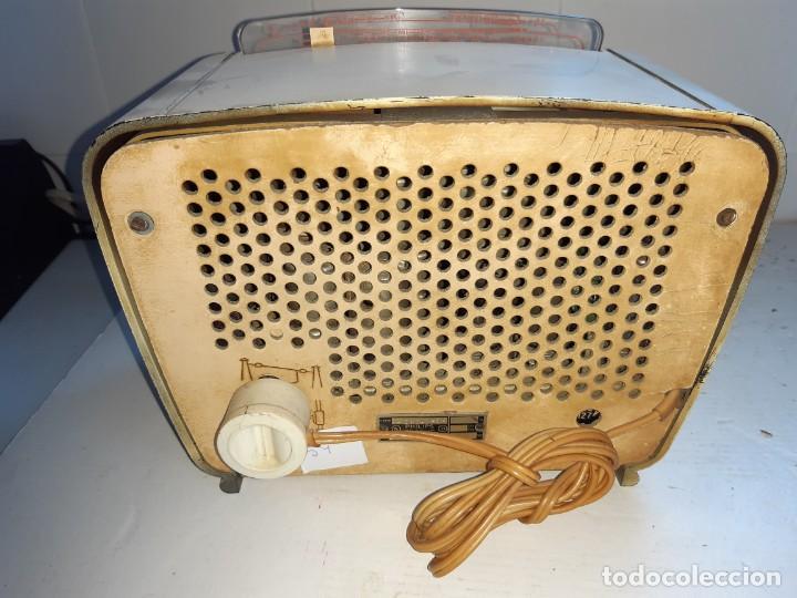 Radios de válvulas: Radio antugua Philips peineta blanco - Foto 5 - 207437231