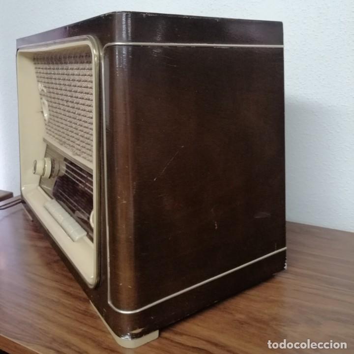 Radios de válvulas: RADIO DE VÁLVULAS Ondina, AÑOS 50-60, 6 LÁMPARAS. FUNCIONANDO - Foto 2 - 208311700