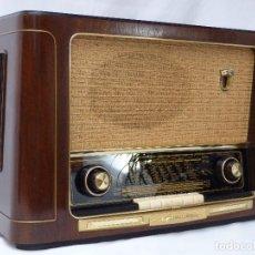 Radios de válvulas: ANTIGUA RADIO DE VÁLVULAS MARCA GRUNDIG, MAGNIFICO ESTADO, GRAN SONIDO, VER FOTOS Y VÍDEO.. Lote 209359861