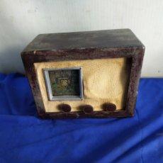 Rádios de válvulas: PEQUEÑA RADIO DE VÁLVULAS MUY ANTIGUA. Lote 209391483