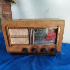 Rádios de válvulas: ANTIGUA RADIO DE VÁLVULAS. Lote 209392132
