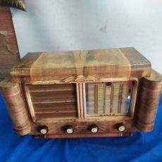 Rádios de válvulas: ANTIGUA RADIO DE VÁLVULAS REYNOLD. Lote 209392601