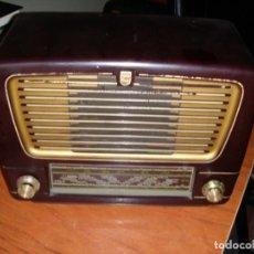 Radios de válvulas: RADIO VÁLVULAS BAQUELITA PHILIPS NO FUNCIONA. Lote 210127563