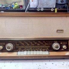Radios de válvulas: RADIO A VALVULAS PHILIPS MATINEE ,MODELO B4A03A. Lote 210476447
