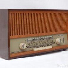 Radios de válvulas: ANTIGUA RADIO DE VÁLVULAS MARCA LOEWE OPTA, MUY BUEN ESTADO Y SONIDO, VER FOTOS Y VÍDEO.. Lote 210827457