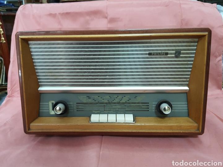 RADIO PHILIPS.FUNCIONANDO .BUEN ESTADO. 40X25X20CM (Radios, Gramófonos, Grabadoras y Otros - Radios de Válvulas)