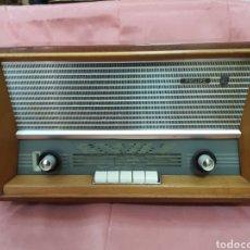 Radios de válvulas: RADIO PHILIPS.FUNCIONANDO .BUEN ESTADO. 40X25X20CM. Lote 211463789