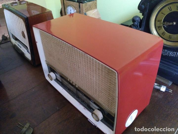 Radios de válvulas: ANTIGUA RADIO EN BAQUELITA DE LA MARCA EKCO FUNCIONANDO PERFECTAMENTE. - Foto 2 - 212518711