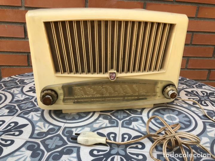 RADIO ANTIGUA PHILIPS 220V. USMO (Radios, Gramófonos, Grabadoras y Otros - Radios de Válvulas)