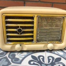 Radios de válvulas: RADIO ANTIGUA GELOSO G 310 A MÁS PONIENDO USMO. Lote 212775361