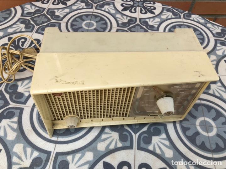 Radios de válvulas: Radio antigua philips philetta blanca más poniendo usmo - Foto 2 - 212779428