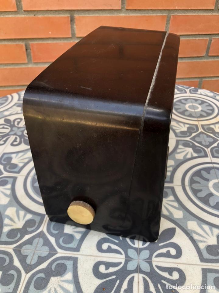 Radios de válvulas: Radio antigua marconi UM-76 más poniendo USMO - Foto 2 - 212780263