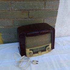 Radios de válvulas: ESPECTACULAR RADIO ANTIGUA MUY PEQUEÑA DE VÁLVULAS. Lote 213245508