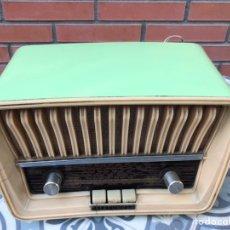 Radios de válvulas: RADIO ANTIGUA VÁLVULAS TELEFUNKEN CAPRICHO U-1925-II VERDE. USMO. Lote 213595313