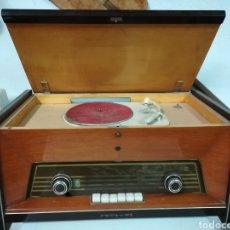 Radios de válvulas: RADIO TOCADISCOS PHILIPS PARA RESTAURAR. Lote 213684012