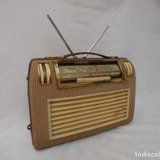 Radios de válvulas: ANTIGUA RADIO DE VÁLVULAS MARCA PHILIPS, PORTÁTIL, EN MAGNIFICO ESTADO Y MUY BUEN SONIDO (VER VÍDEO). Lote 213700303