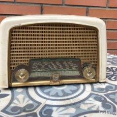 Radios de válvulas: RADIO ANTIGUA PHILIPS BF121U. USMO. Lote 214096377