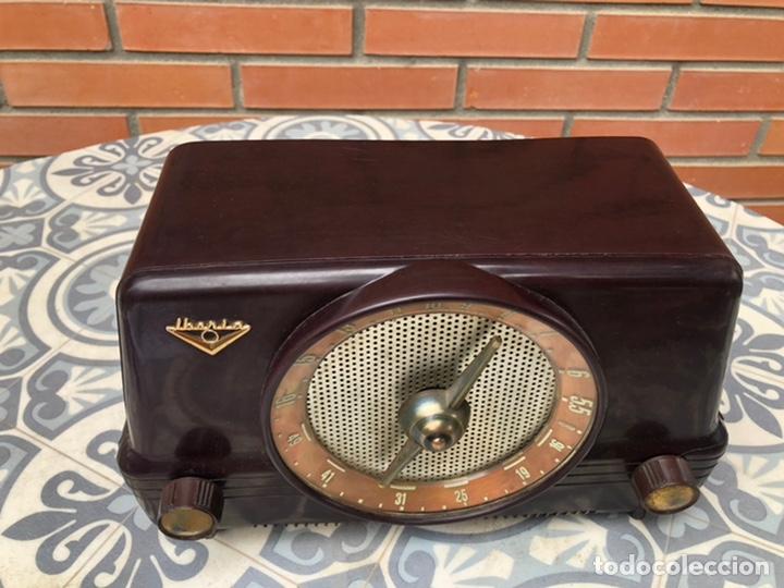 Radios de válvulas: Radio antigua Iberia b26. Más poniendo USMO - Foto 2 - 214096651
