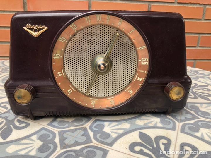 RADIO ANTIGUA IBERIA B26. MÁS PONIENDO USMO (Radios, Gramófonos, Grabadoras y Otros - Radios de Válvulas)