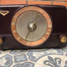 Radios de válvulas: RADIO ANTIGUA IBERIA B26. MÁS PONIENDO USMO. Lote 214096651