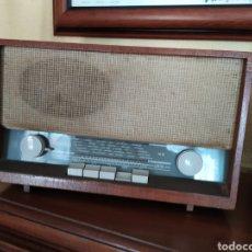 Radios de válvulas: RADIO ANTIGUA GRUNDIG. Lote 214541500